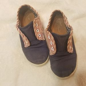 Tom's American canvas slip on shoes